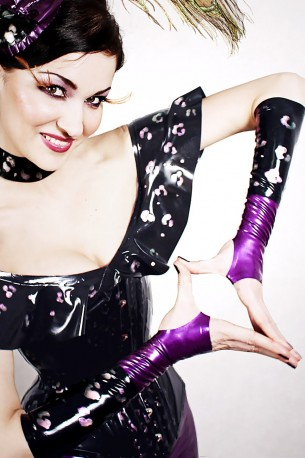 Kitten In The Night Latex Armstulpen