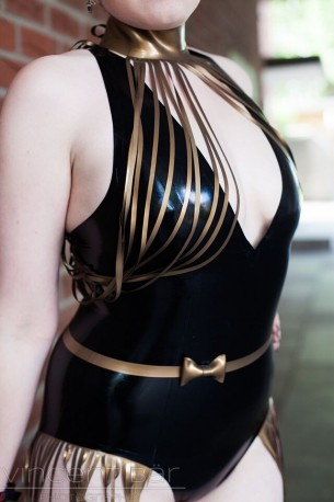Bodychain Latex Collar Körperkette