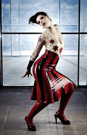 Poisonous Lillies Latex Kleid