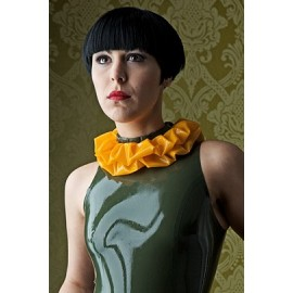 Ruffle Latex Collar